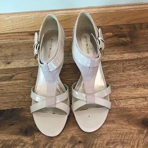 Tan Bandolino Sandal Heel